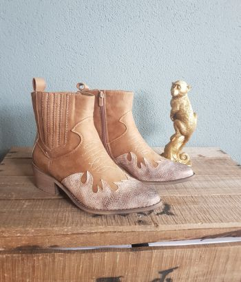 Goldie Boots